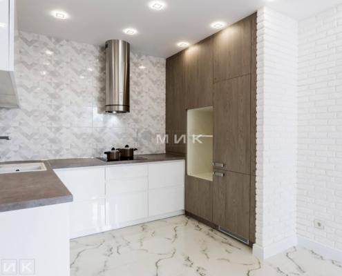 Кухня-белая-п-образная-пчелки_8-1004