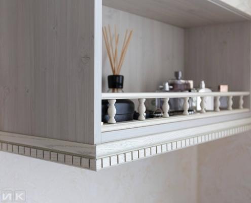 Кухня-классика-балюстрада-(натуральное-дерево)--1015