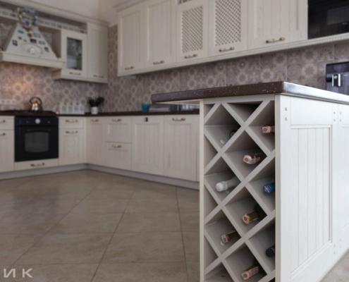 Кухня-классика-бутылочница-(натуральное-дерево)--1027