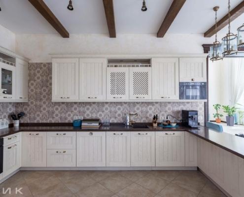 Кухня-классика-в интерьере--1010