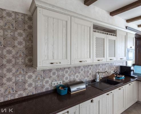 Кухня-классика-фасад-Drewpol-(натуральное-дерево)--1033