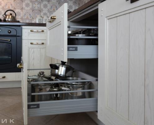 Кухня-классика-Tandem-box-Blum-с реленгом-(натуральное-дерево)--1030