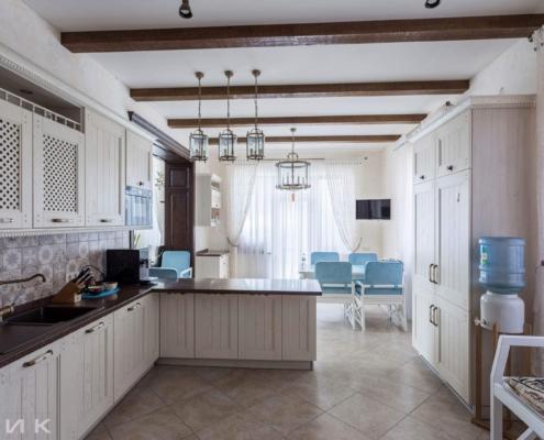 Кухня-клвассика-куллер для воды--1011
