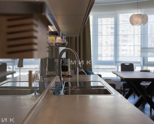 Кухня-студия-смеситель и мойка из нержавейки01