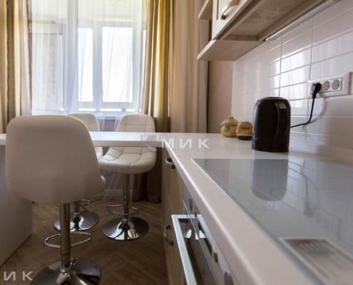 Кухня-с-барной-стойкой-на-сикорского_1б_-1012