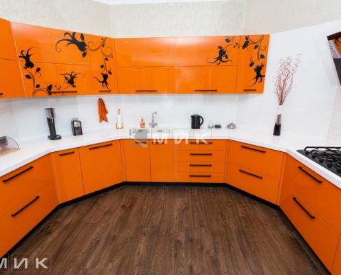 Оранжевая-кухня-пентагон-(Белогородка)-1005