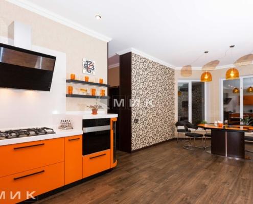 Оранжевая-кухня-пентагон-(Белогородка)-1006