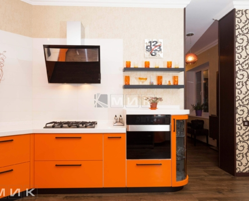 Оранжевая-кухня-пентагон-(Белогородка)-1009
