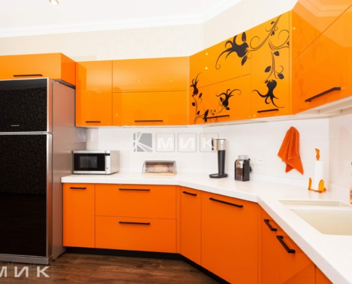 Оранжевая-кухня-пентагон-(Белогородка)-1011