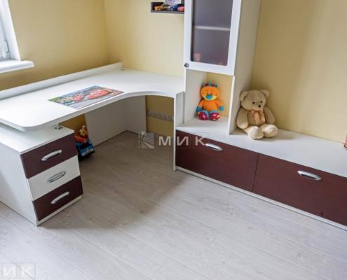Стол-Детская-комната-мальчика-1006