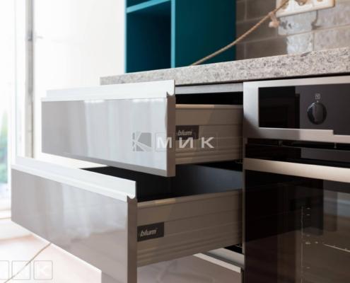 выдвижные ящики на кухне