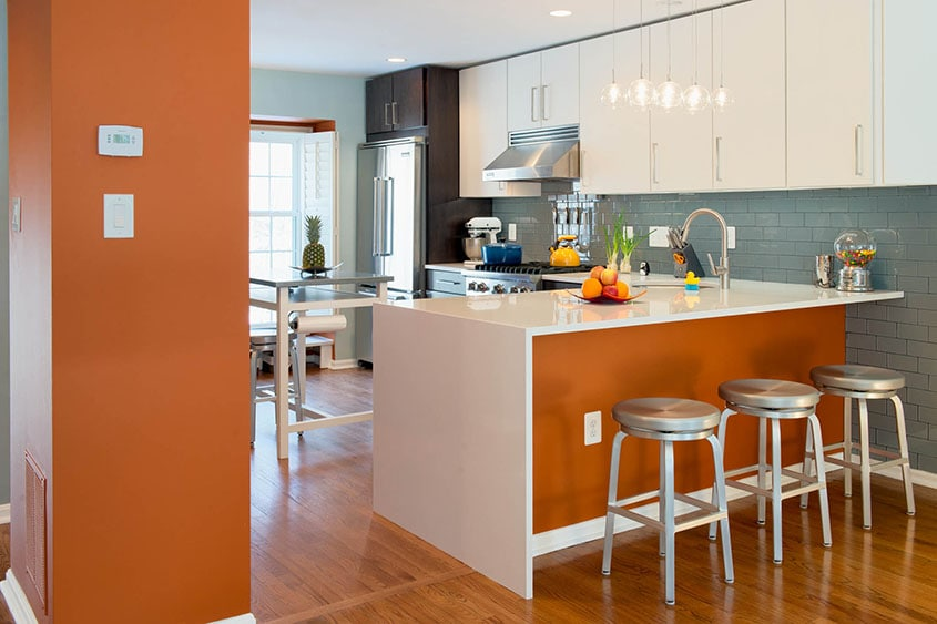 комбинация-оранжевого-на-кухни