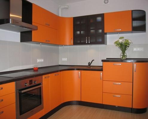 кухня-оранжевый-с-чёрным