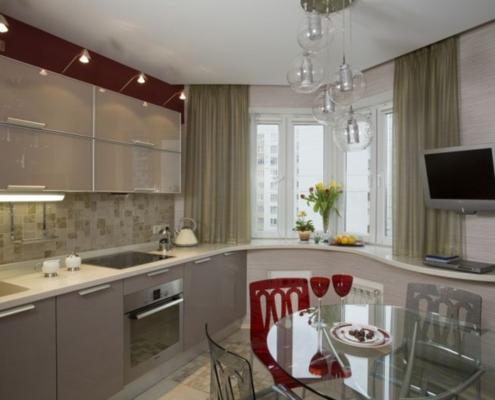 кухня-с-радиусным-эркером-в-квартире