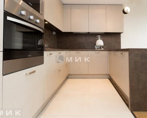 кухня с фасадом kleaf-1004