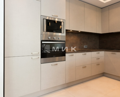 кухня с фасадом kleaf-1007