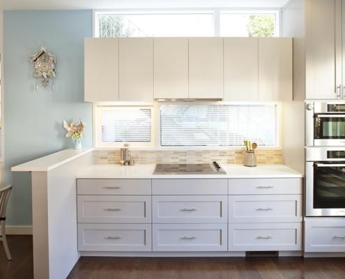 маленькая-белая-кухня