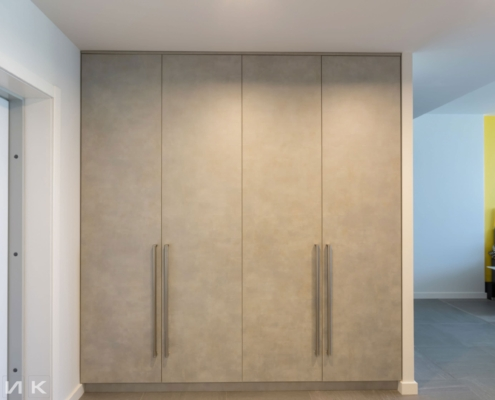 распошной-встроеный-шкаф-в-коридоре-1002