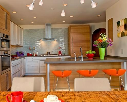 сочетание-оранжевого-цвета-на-кухне