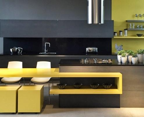 чёрно-жёлтая-кухня