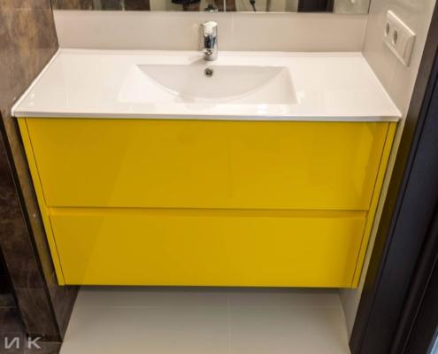 Желтая-тумба-под-раковину-в-ванную-комнату-1002