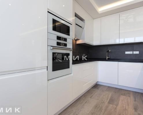 Кухня-студия-белая-(посольство)-1008