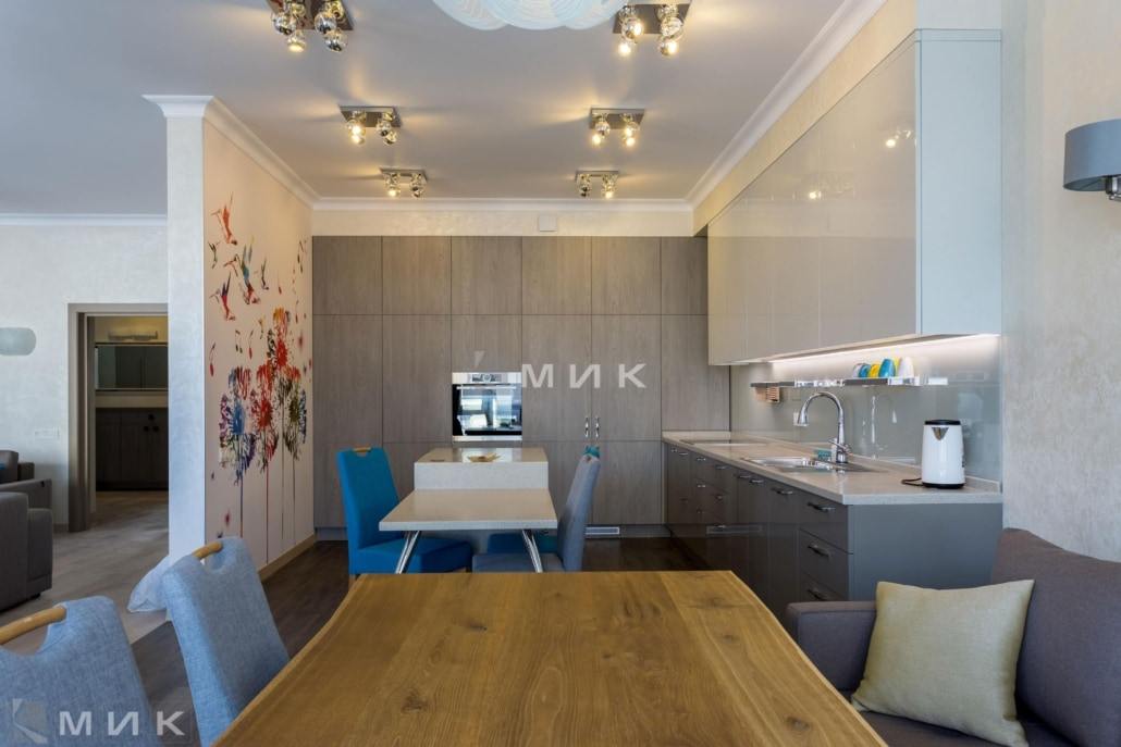 Кухня-студия-на-антановича-1006