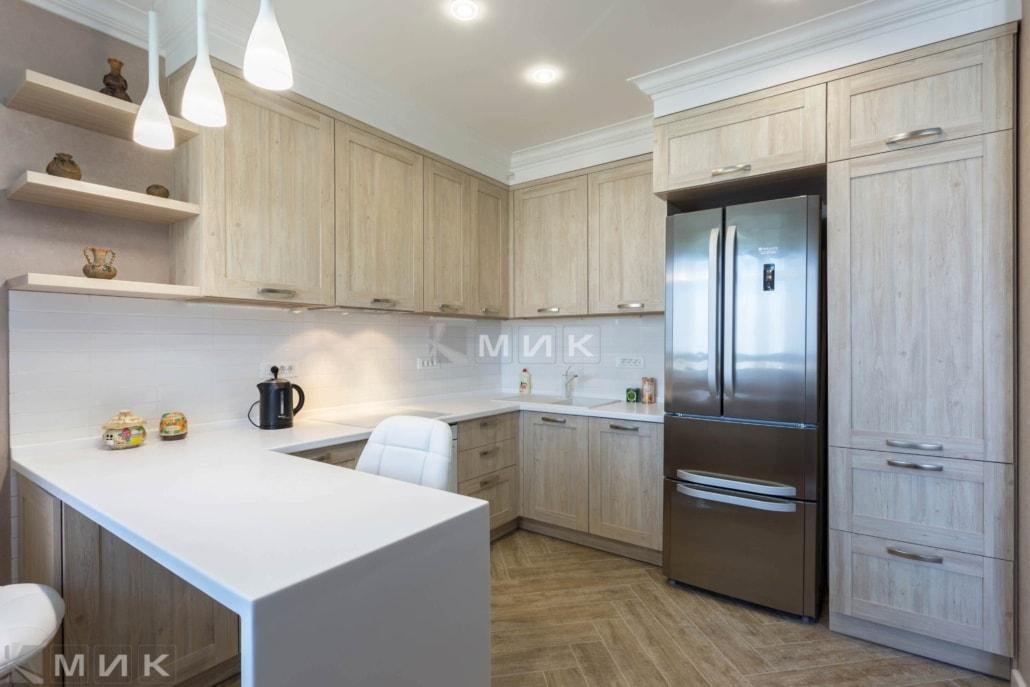 Кухня-с-барной-стойкой-на-сикорского_1б_-1004