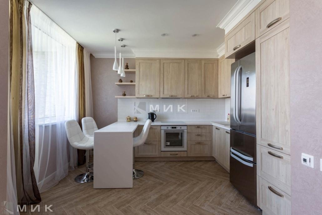Кухня-с-барной-стойкой-на-сикорского_1б_-1006