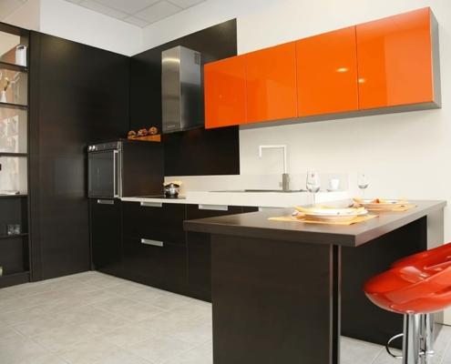 красно-коричневая-кухня