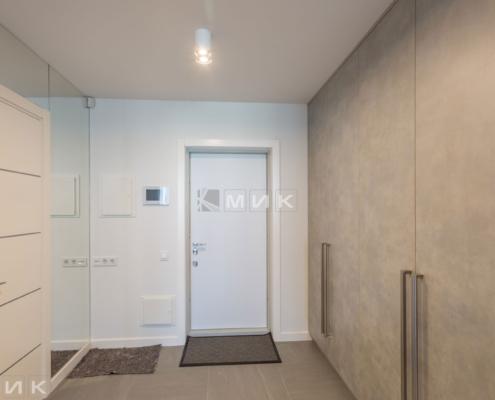 распошной-встроеный-шкаф-в-коридоре-1000