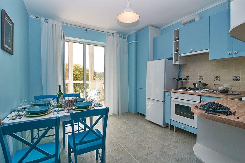 кухня-в-голубых-тонах