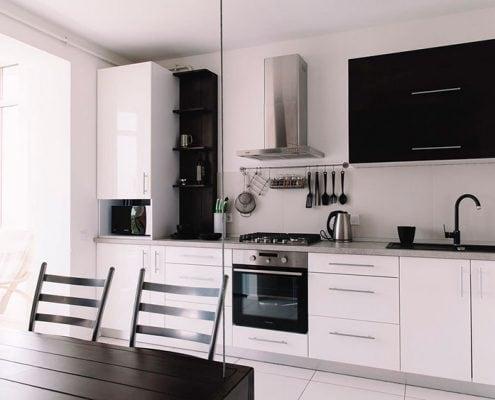 бело-чёрная-кухня