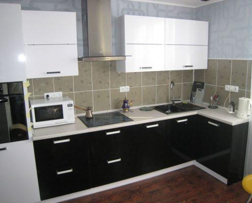 кухня-в-чёрно-белом