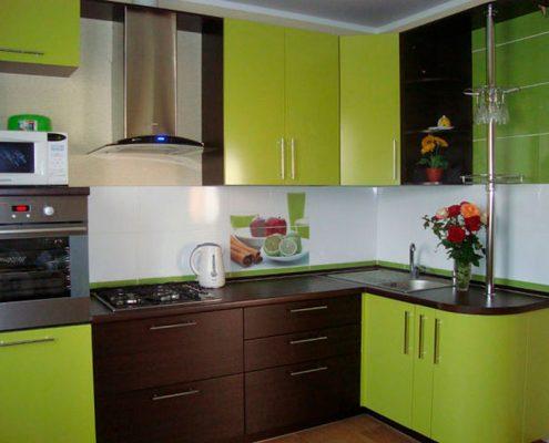коричнево-зелёная-кухня
