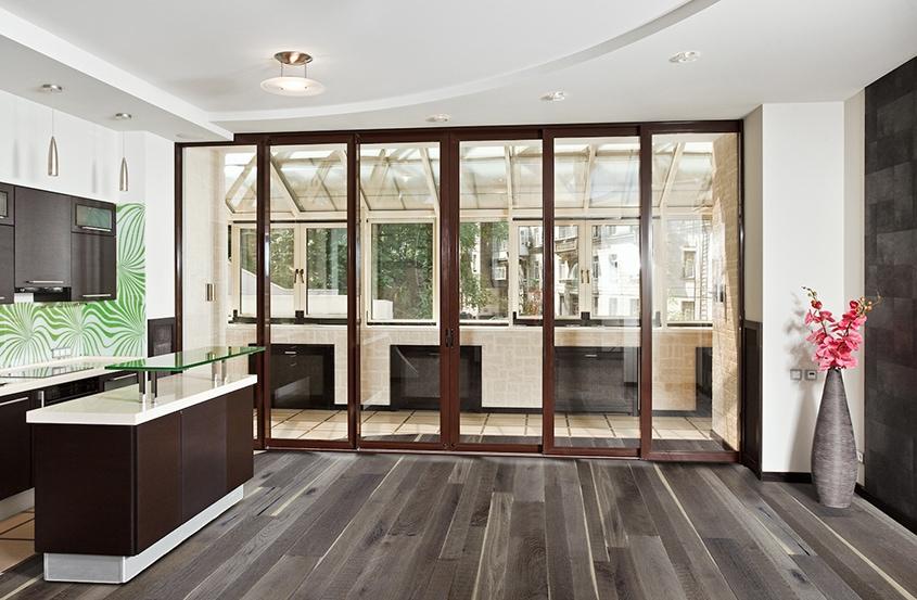 кухня-с-балконом-модерн