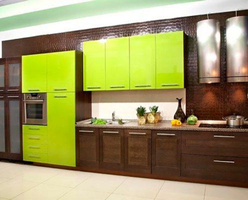 зелёно-коричневая-кухня