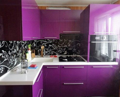 фиолетово-чёрная-кухня