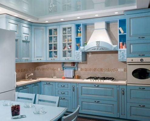 голубая-кухня-угловая-классика