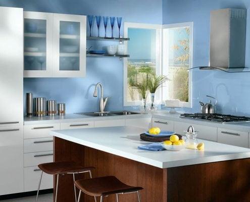 голубые-стены-кухня