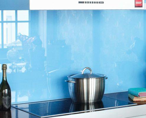 голубой-фартук-кухня