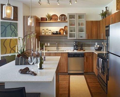 г-образная-кухня-столовая