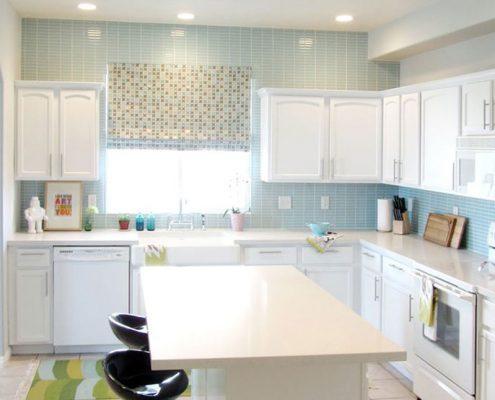 голубой-кафель-на-кухне