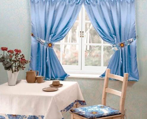 голубые-шторы-для-кухни