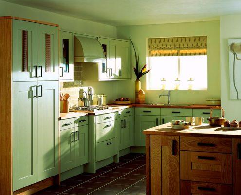 светло-зелёная-кухня