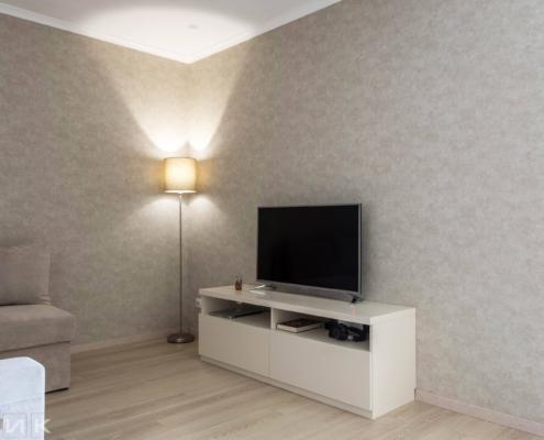 Тумба-под-телевизор-в-гостиной-1000