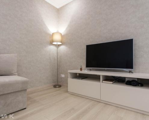 Тумба-под-телевизор-в-гостиной-1003