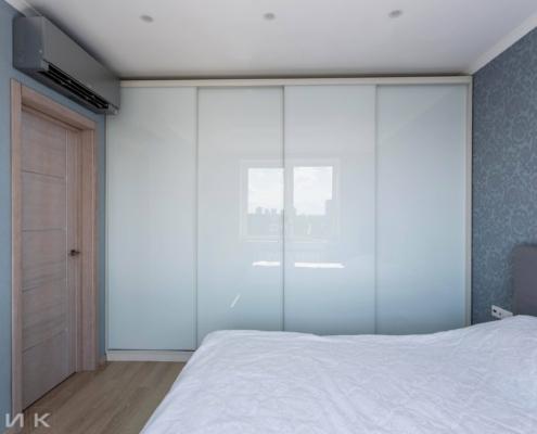 Четырех-дверный Шкаф купе в спальню