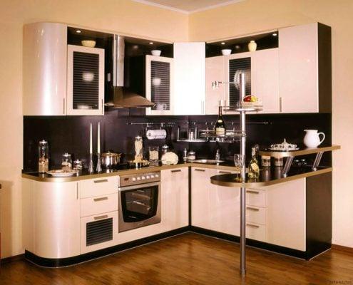 бежево-чёрная-кухня