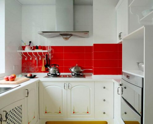 красный-кафель-на-кухне
